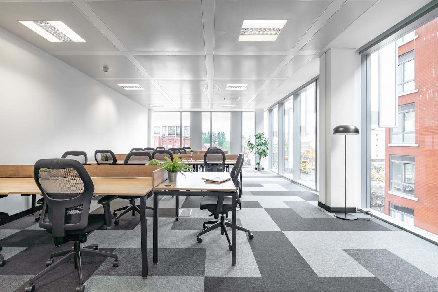 Private Offices: Integrating Into The Coworking Community